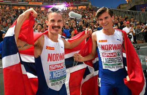 Henrik Ingebrigtsen (vas.) otti EM-hopeaa 5000 metrillä Berliinissä ja hävisi vain veljelleen Jakobille.