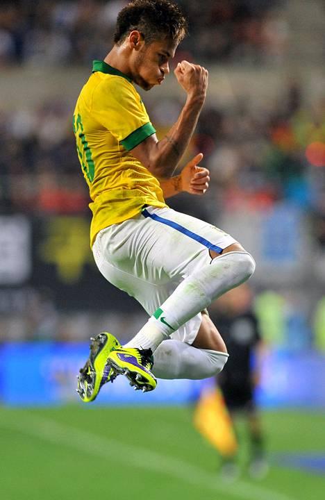 Barcelona tuorein tähtipelaaja Neymar on tarkassa seurannassa myös Brasilian maajoukkueessa.