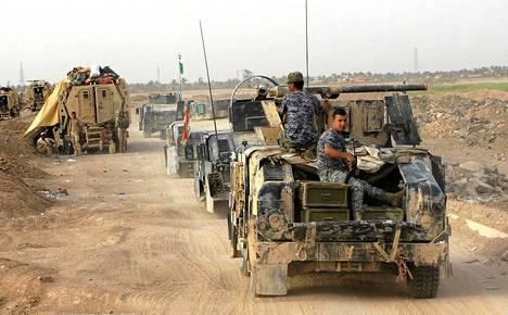 Irakin turvallisuusjoukkoja Ramadin lähistöllä 6. elokuuta.