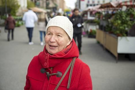 Liisa Ukkonen kertoo, että koronaviruksen värittämä kevät on sujunut lopulta verrattain normaalisti.