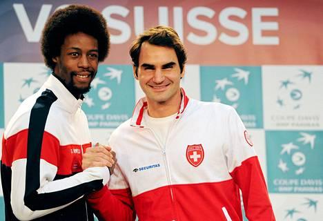 Gael Monfils ja Roger Federer kohtaavat Davis Cup -finaalin avauspäivänä.