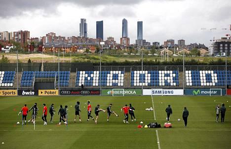 Real Madrid valmistautui viikko sitten harjoituskeskuksessaan Mestarien liigan otteluun Borussia Dortmundia vastaan.