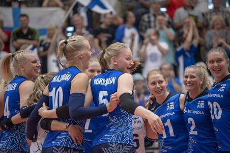 Suomen naisten lentopallomaajoukkue. Arkistokuva.