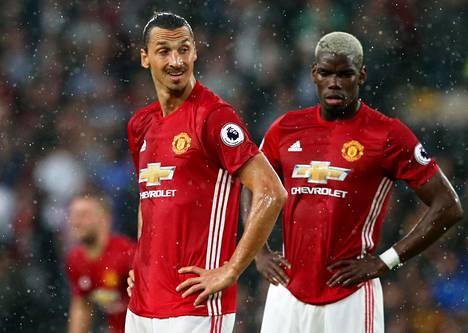 Zlatan Ibrahimovic (vas.) tuli Manchester Unitediin ilman siirtosummaa, mutta Paul Pogbasta ManU maksoi 105 miljoonaa euroa.