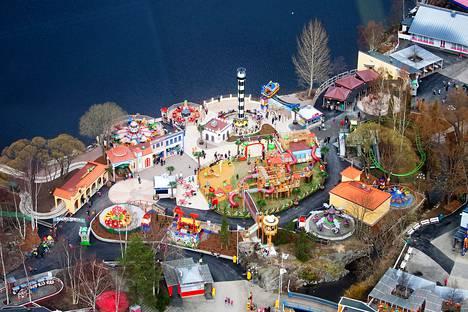 Särkänniemen toimitusjohtajan Miikka Seppälän mukaan ulkomaiset turistit ovat yllättyneet siitä, että huvipuisto on jo kiinni tältä kesältä.
