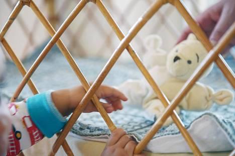 Valtuustoaloite ehdottaa, että Vantaalla rajoitettaisiin lastensuojelun asiakasmääriä sosiaalityöntekijää kohden.