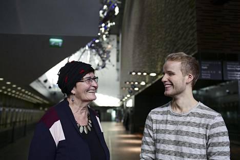 Maija Anttila, 74 ei halua, että eläkkeitä parannetaan nuorten sukupolvien kustannuksella. Sibelius-Akatemiassa laulua opiskeleva Tuomas Miettola, 22 huolehtii enemmän tulevasta työurasta kuin eläkkeistä.