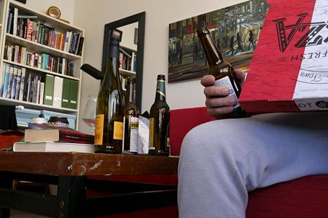 Asiantuntijat ovat huolissaan alkoholistivanhempien lapsista.