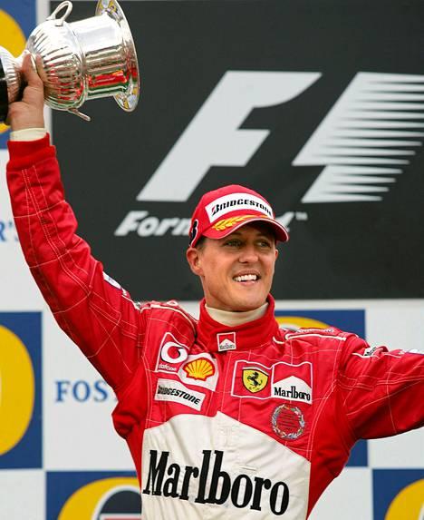 Michael Schumacher voitti urallaan maailmanstaruuden peräti seitsemän kertaa.