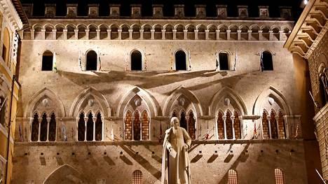 Italian pankkien odotetaan taas joutuvan ongelmiin. Monte dei Paschi di Siena -pankki pelastettiin osin Italian valtion rahoituksella kolme vuotta sitten.