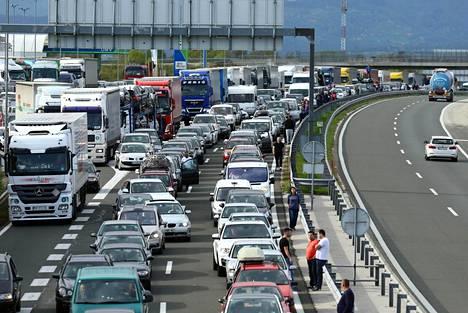 Slovenian ja Kroatian väliselle rajalle oli muodostunut ruuhkaa 7. huhtikuuta.