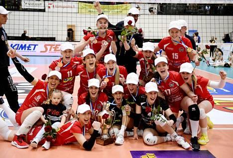 LP Viesti juhli viime keväänä yhdeksättä lentopallon Suomen mestaruuttaan.