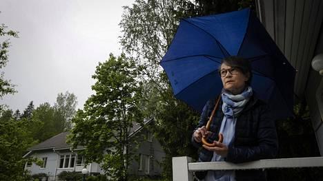 Eva Autio tekee etätöitä tällä hetkellä kotoaan Sipoosta käsin. Hän työskenteli viime vuoden kevääseen saakka Kivikossa Keinutien ala-asteella kouluterveydenhoitajana.