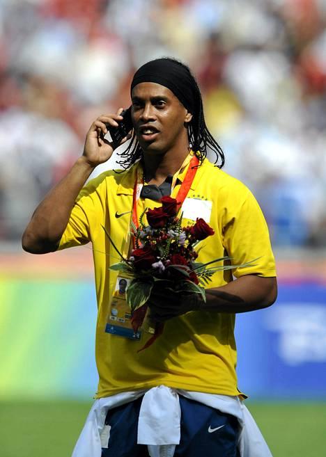 Ronaldinho pääsi otsikoihin veljensä takia.