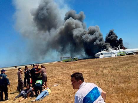 Asiana Airlinesin matkustajakone putosi maahan San Franciscon kansainvälisellä lentokentällä heinäkuussa.