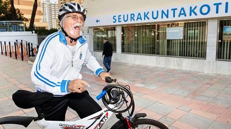 Harri Savolin poistui maastopyörällään Fuengirolan seurakuntakodista, jossa hän istui aamupäivää muiden suomalaisten seurassa.