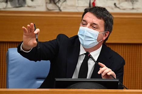 Italia Viva -puolueen johtaja Matteo Renzi piti tiedotustilaisuuden keskiviikkona.