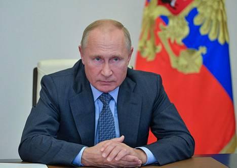 Venäjän presidentti Vladimir Putin osallistui hätäkokoukseen metsäpaloista lokakuussa.