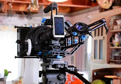 Hooman Khalilin ohjaama elokuva on kuvattu Nokian N8-kännykällä, joka on varustettu muun muassa 35 millimetrin linssillä, mikrofonilla ja jalustalla.