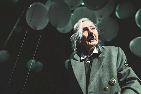 Seela Sella nähdään Hitler ja Blondi -esityksessä, joka on Tampereen Työväen Teatterin ja Kansallisteatterin yhteistyötä.