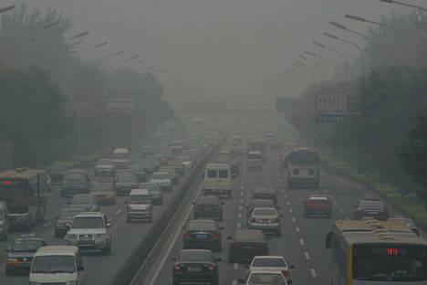 Saastesumua Pekingin kakkoskehän yllä vuonna 2007.