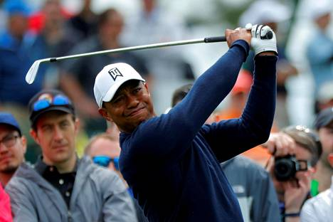 Tiger Woods kuvattuna keskiviikon harjoituksissa.