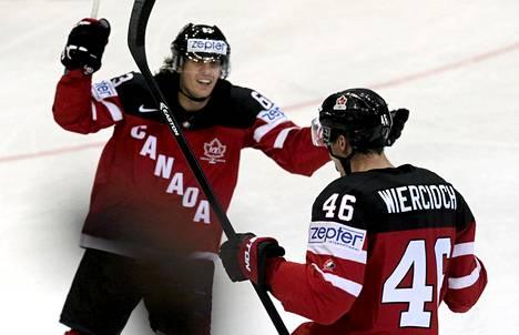 Tyler Ennis (vas.) teki Kanadan voittomaalin ja Patrick Wiercioch tärkeän tasoitusmaalin.