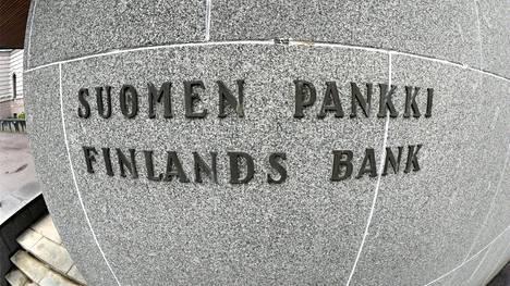 Suomen Pankin laskelmissa lähtökohtana on, että pandemian vaikutus on väliaikainen ja Suomen talous palaa kasvu-uralle kuluvan vuoden loppupuolella.