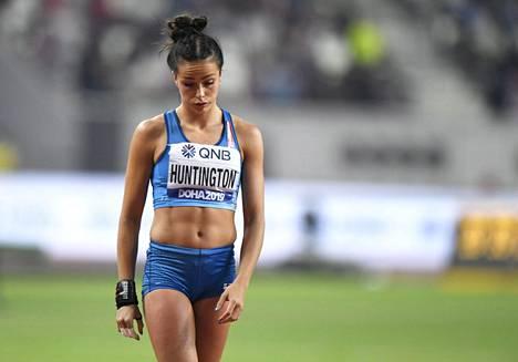 Maria Huntington joutui keskeyttämään seitsenottelun MM-kisoissa.