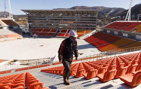 Pyeongchangin talviolympialaisten alkuun on aikaa kolme viikkoa. Tältä avajaisten stadionilla näytti marraskuussa.