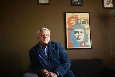 Egyptiläinen ihmisoikeusjuristi Gamal Eid toimistossaan Kairossa.
