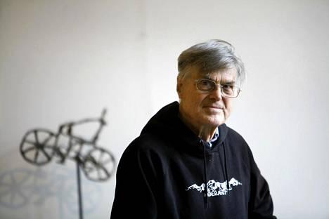 """""""En ole ikinä ollut mikään visionääri, mutta käsitin jo 1960-luvulla tietotekniikan vaikuttavan ennen pitkää kaikkeen kulttuuriimme"""", Reino Kurki-Suonio sanoo."""