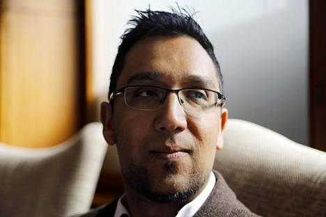 Nafeez Ahmed yhdistää ilmastonmuutoksen poliittisiin kriiseihin.