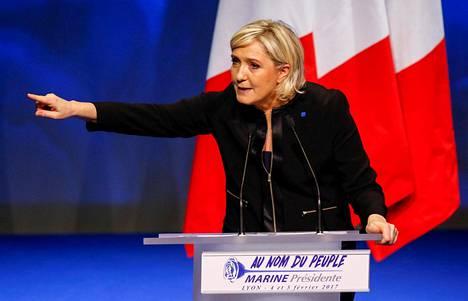 Ranskan äärioikeiston presidenttiehdokas Marine Le Pen avasi vaalikampanjansa Lyonissa.