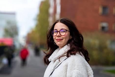 Ingrid Sommer tuli Suomeen vaihto-oppilaaksi, opetteli kielen ja halusi jäädä suorittamaan lukiota Suomeen. Neljä vuotta myöhemmin hän valmistuu nyt ylioppilaaksi.