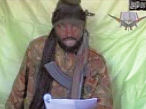 Videolla esiintyvä mies väittää olevansa Abubakar Shekau. Hän ilmoittautuu teinityttöjen sieppaajaksi.