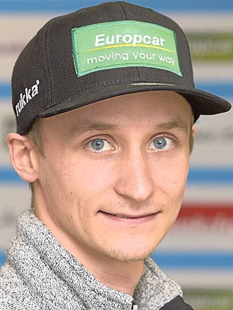 Eetu Vähäsyörinki Suurmäen kisa 42:s, joukkuekilpailu 9:s. Kolmannet MM-kisat, ei aiemminkaan merkittävää menestystä.
