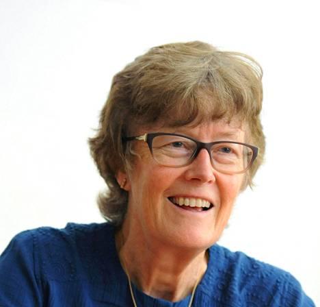 Professori Wendy Carlin luotsaa taloustieteen opetusta uudistavaa Core-hanketta, jonka materiaalia käytetään myös Suomessa.