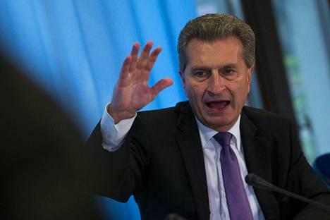 Günther Oettinger kuvattuna Berliinissä syyskuussa 2014.