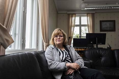 Pitkään Katri Kulmunin kampanjapäällikkönä toiminut Tuija Palosaari harmistui Kulmunin eropäätöksestä. Tieto Kulmunin halusta jatkaa puolueen puheenjohtajana otettiin kuitenkin Tornion seudulla vastaan iloisesti, hän arvioi.