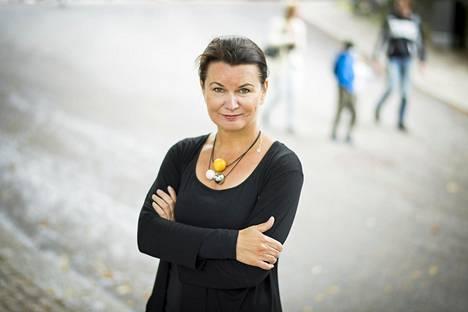 13-jäsenistä tiedepaneelia johtaa professori Christina Salmivalli Turun yliopistosta.