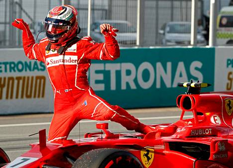 Tätä tilannetta Ferrarin tallipäällikkö Maurizio Arrivabene ei olisi halunnut nähdä, kun Kimi Räikkönen nousi autostaan ennen Malesian kisan starttia.