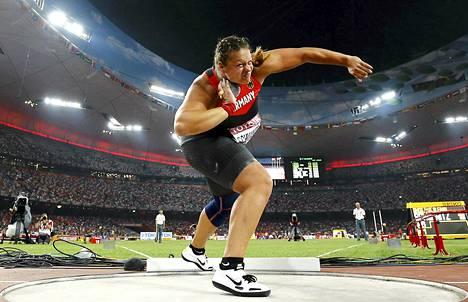 Christina Schwanitz työnsi Pekingissä maailmanmestariksi.