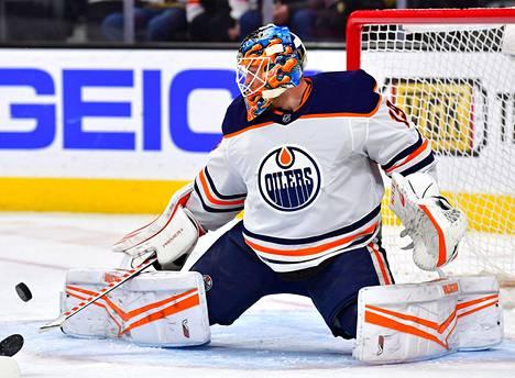 Edmontonin maalivahti Mikko Koskinen joutui päästämään kolme kiekkoa taakseen Las Vegasissa.