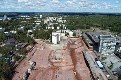 Espoonlahtea on ehdotettu Taiteentalon sijoituspaikaksi. Espoonlahden kauppakeskus Lippulaivaa ja metroasemaa rakennetaan parhaillaan.