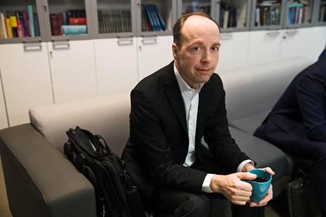 Perussuomalaisten puheenjohtaja Jussi Halla-aho MTV:n studiolla vaalien jälkeisenä aamuna.