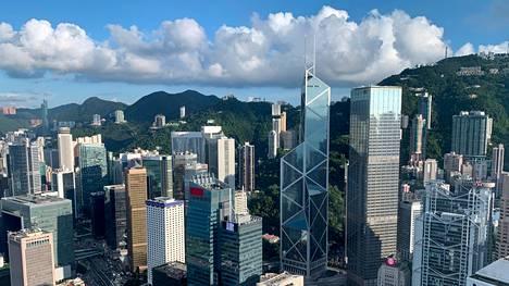 Hongkong toimii väylänä Manner-Kiinan rajoitettujen rahoitusmarkkinoiden ja kansainvälisten rahoitusmarkkinoiden välillä.