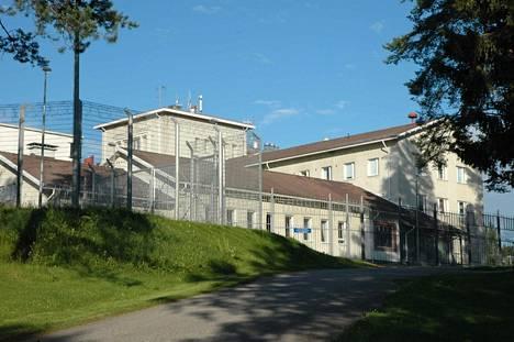 Sukevan vankilassa on liian vähän koulutettua henkilökuntaa.