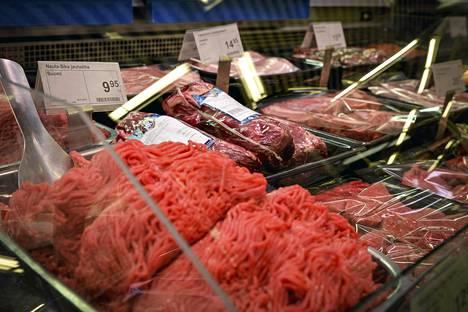 Lihatuotteita helsinkiläisessä ruokakaupassa.