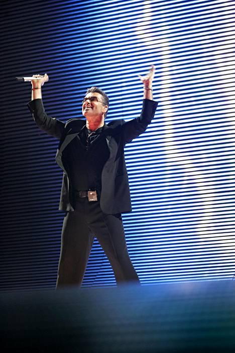 George Michael esiintyi Helsingissä heinäkuussa 2007.